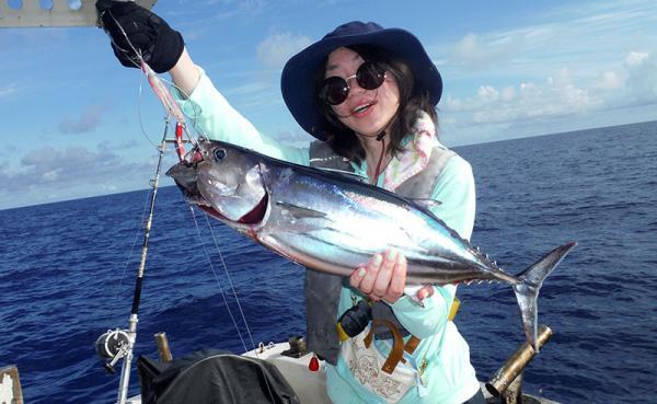 沖縄県本部町(もとぶちょう)「ふるさと納税」お礼品に『海人(うみんちゅ)と行く近海パヤオ釣り体験ツアー』を新たに追加いたしました画像