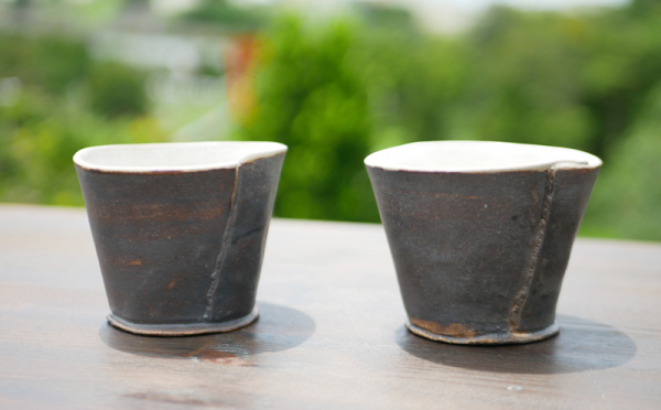 沖縄県大宜味村(おおぎみそん)「ふるさと納税」お礼品に『陶房大政 ブロンズ釉巻カップ(ペア)』を新たに追加いたしました画像